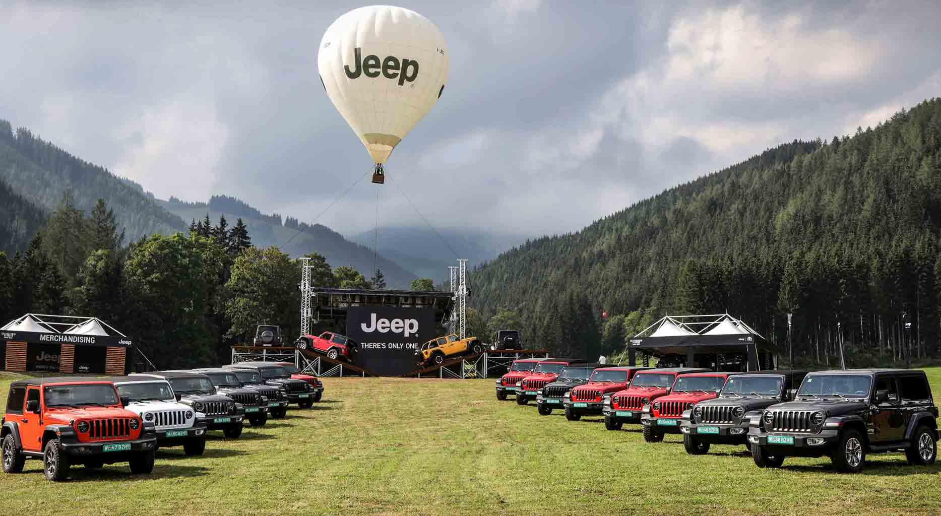 02-Camp-Jeep
